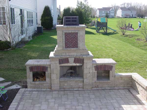 Create the ultimate red brick paver fire pit & unilock fireplaces with Lesters Material Supplier. Call 847-223-7000 for pickup & delivery Lake County