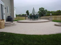 Holland Raised Patio with Solid Boarder