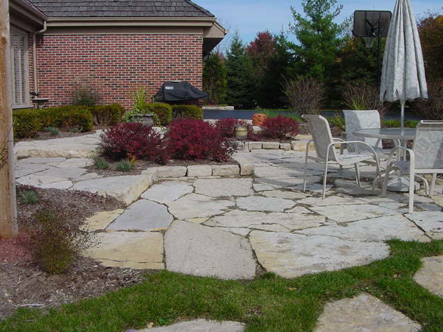 Assorted Flat Surfaced Sizes For Walkways And Patios, As Well As Drywall  Boulders.